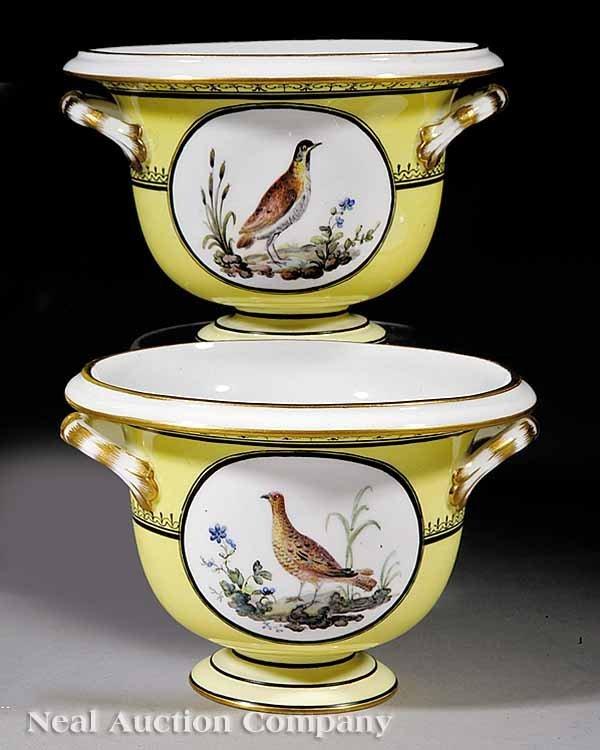 1115: Pair of Paris Porcelain Urns