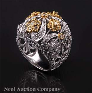 18 kt White and Yellow Gold and Diamond Ring