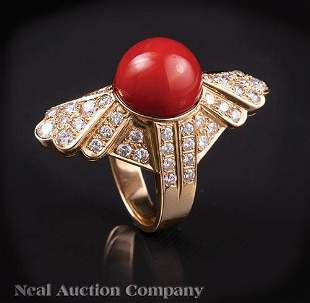 18 kt Yellow Gold Coral and Diamond Ring