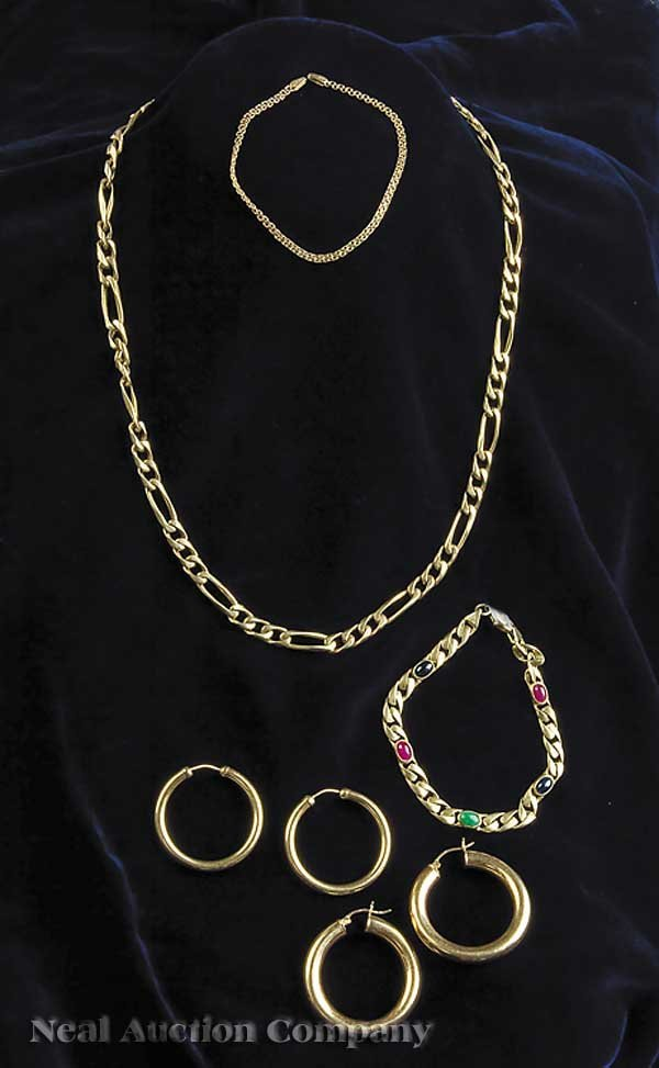 578A: A Group of Gold Jewelry