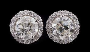 18 kt. White Gold and Diamond Stud Earrings