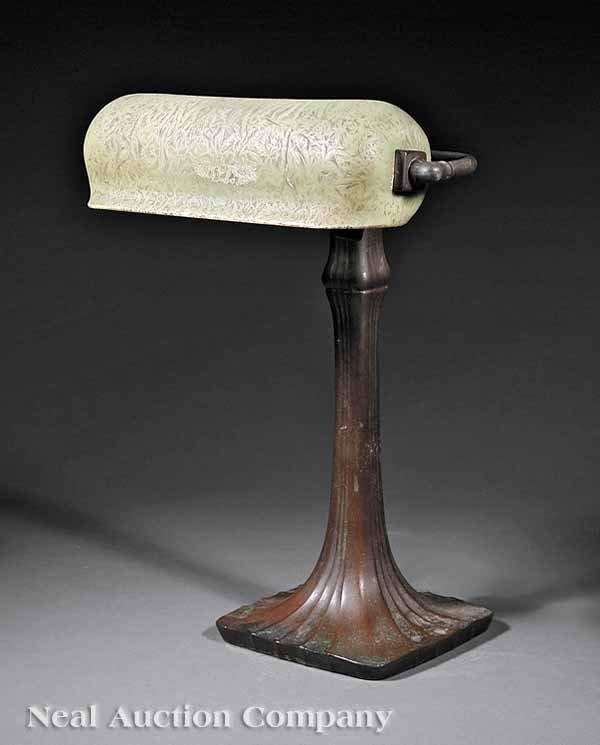 867: Handel Patinated Bronze Mosserine Glass Desk Lamp