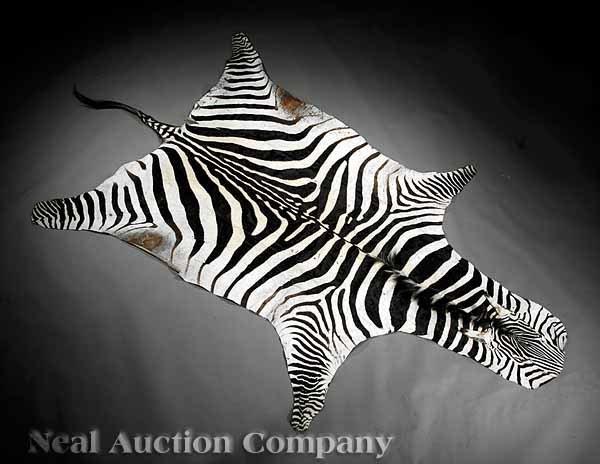 1052: Semi-Antique Zebra Pelt