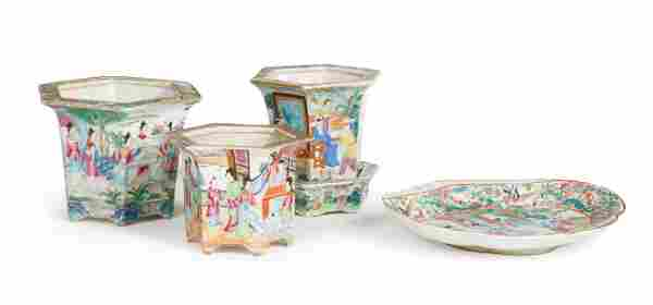 Chinese Export Porcelain Table Objects