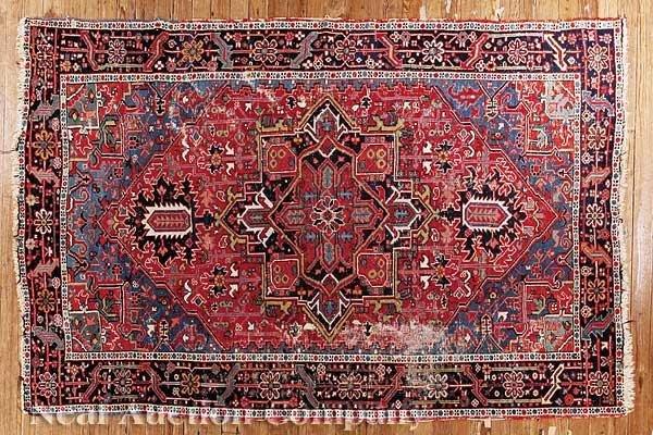 0632: Semi-Antique Heriz Carpet