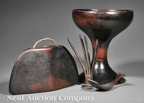 0670: Indonesian Carved Wood and Buffalo Horn Items