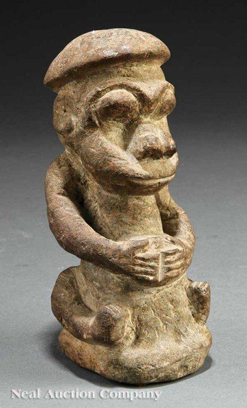 0680: Sierra Leone Carved Stone Nomoli or Pomdo Male