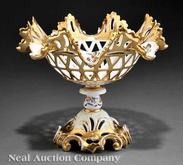 0010: Paris Porcelain Gilt-Decorated Corbeille