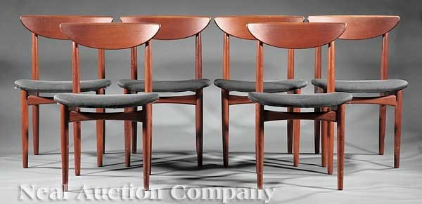 0673: Danish Modern Teakwood Dining Table, 8 chairs