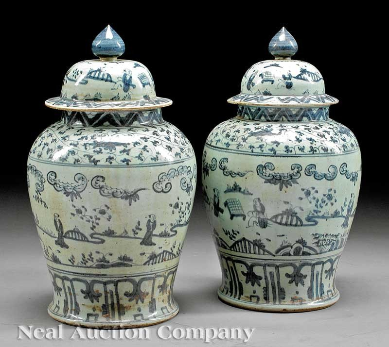 0735: Chinese Blue and White Covered Jars