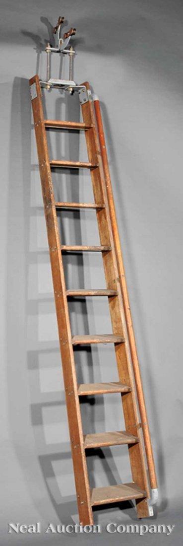 0835: Putnam Oak Telephone Ladder