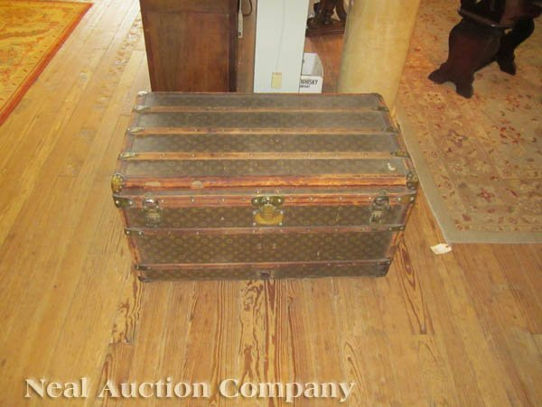 63: Vintage Louis Vuitton Trunk - 9
