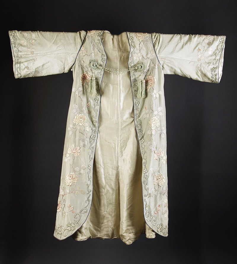 Chinese Western-Style Embroidered Green Silk Robe