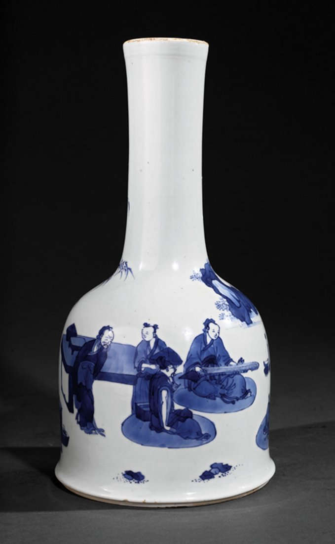 A Chinese Blue and White Porcelain Mallet Form Va