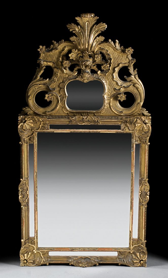 Venetian Rococo-Style Carved Giltwood Mirror