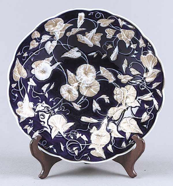 0730: A Round Meissen Porcelain Shallow Bowl