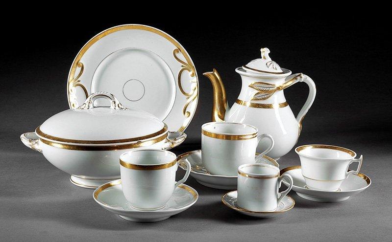 "Associated ""Anneau d'Or"" Porcelain Dinner Service"