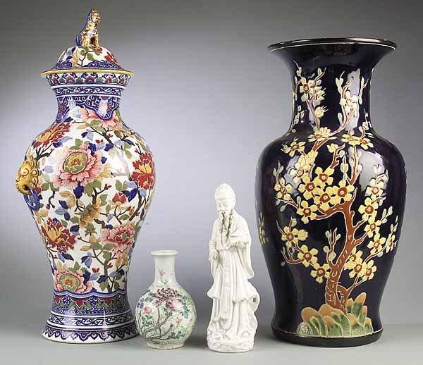 Group Porcelain Table Accessories, Gien