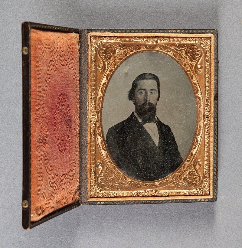 [Cased Images] Portraits of Gentlemen - 2