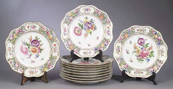 0005: A Set of Twelve Dresden Porcelain Reti