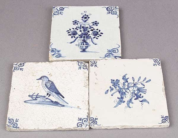 0007: A Set of Fourteen Delft Blue and White