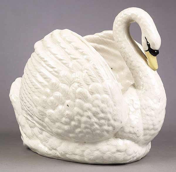 0019: A Large English Staffordshire Swan Jar