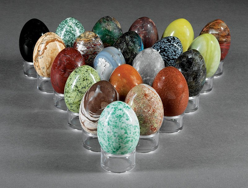 21 Specimen Hardstone Eggs