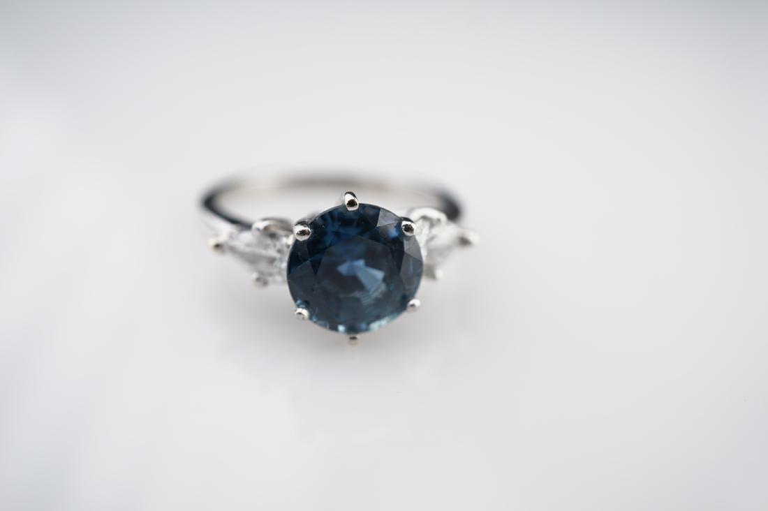 2 CT Cornflower Blue Ring with 1.50 CTTW of Diamonds sz - 2
