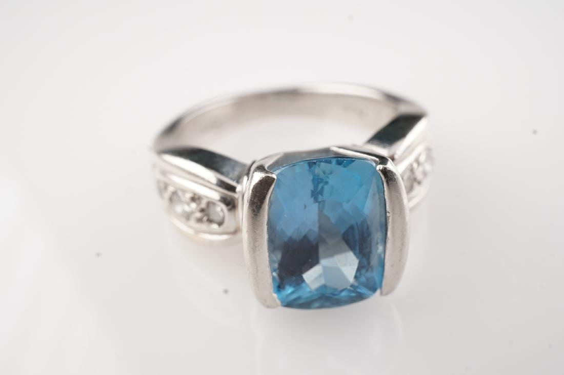 Heavy Aquamarine & Diamond Ring in Platinum sz 5.5 - 4