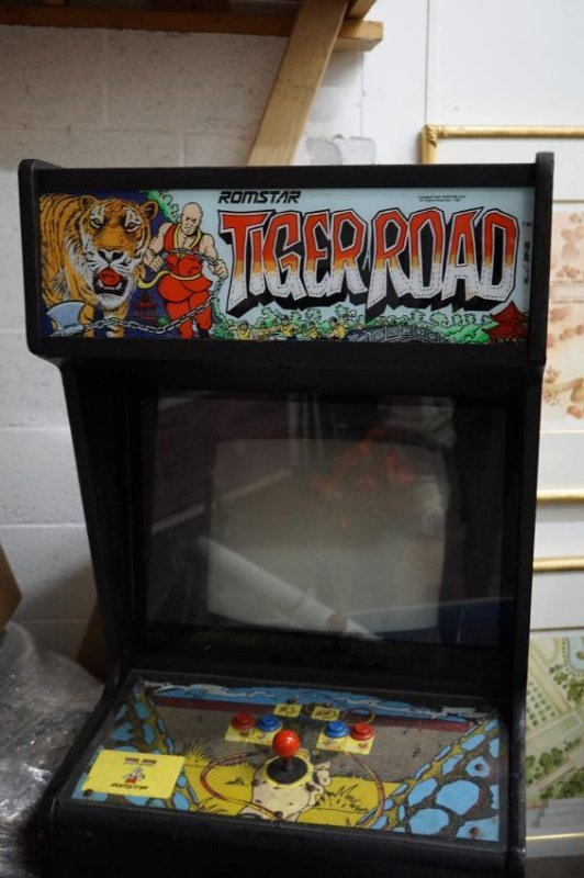 """Stand-Up Arcade Game """" Tiger Road"""""""