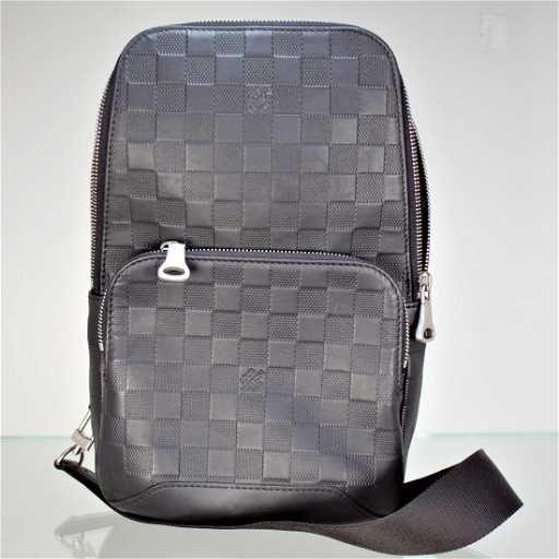 6723b4d7c13 Louis Vuitton AVENUE SLING BAG