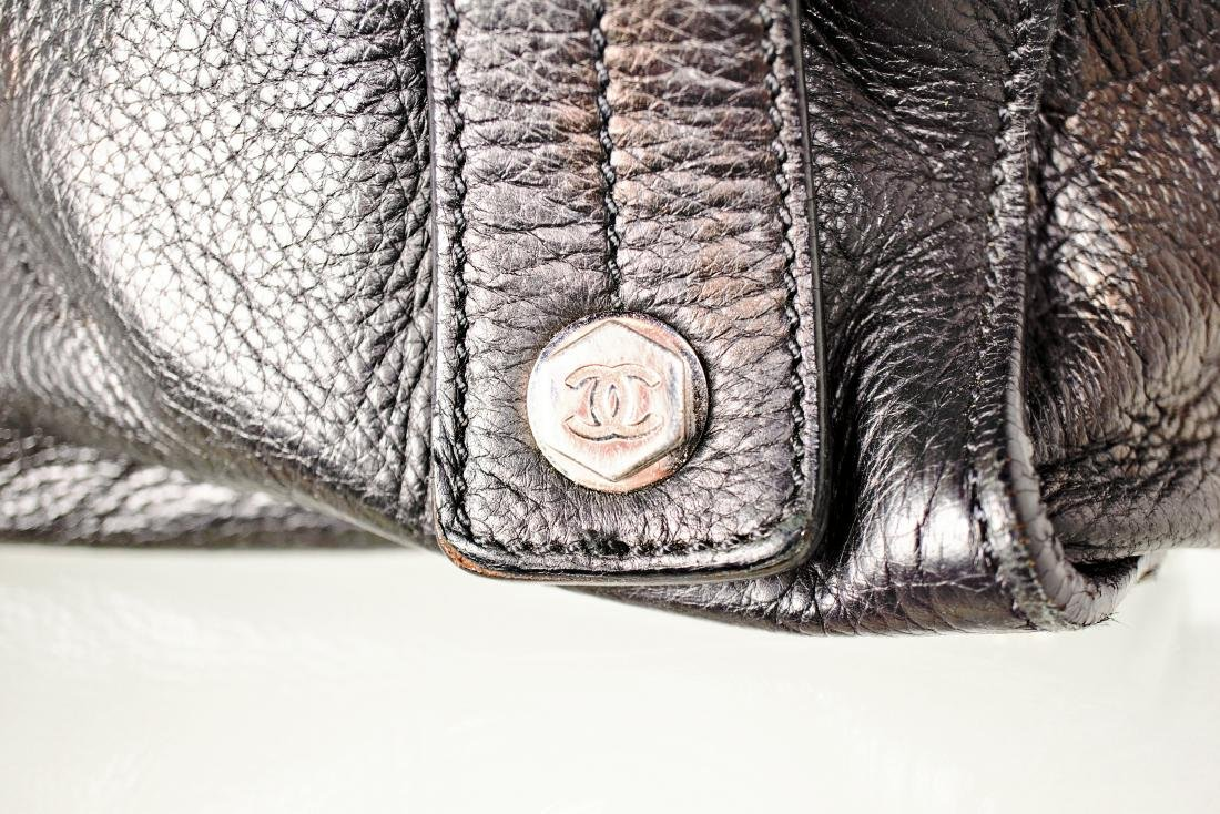 Black Lambskin Chanel Cube Bag - 2