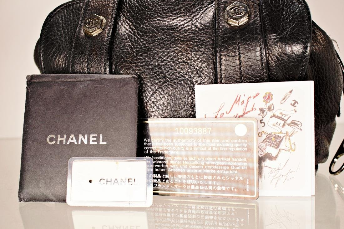 Black Lambskin Chanel Cube Bag - 6