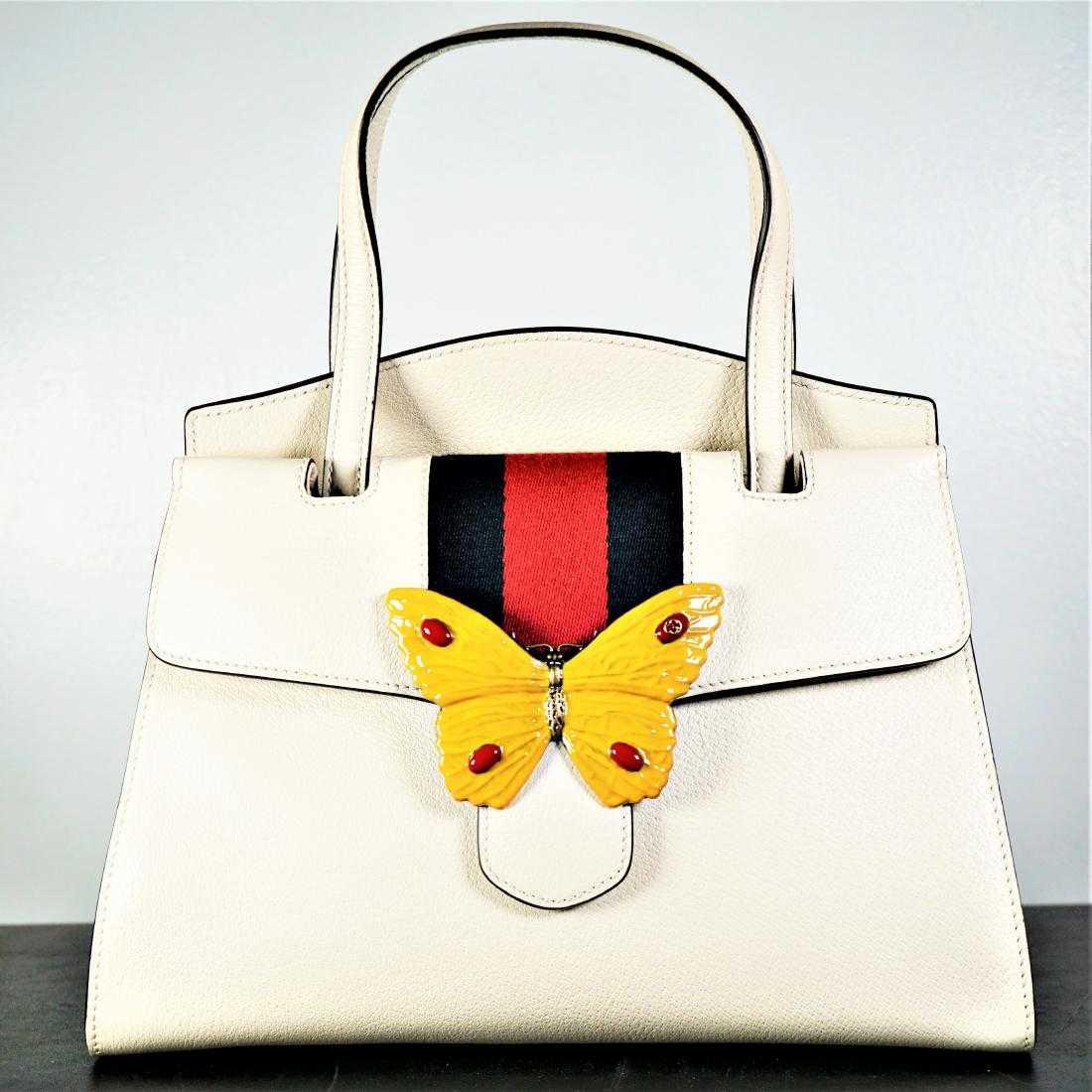 fa4fc1e4291 GUCCI Linea Totem Medium Top Handle Bag