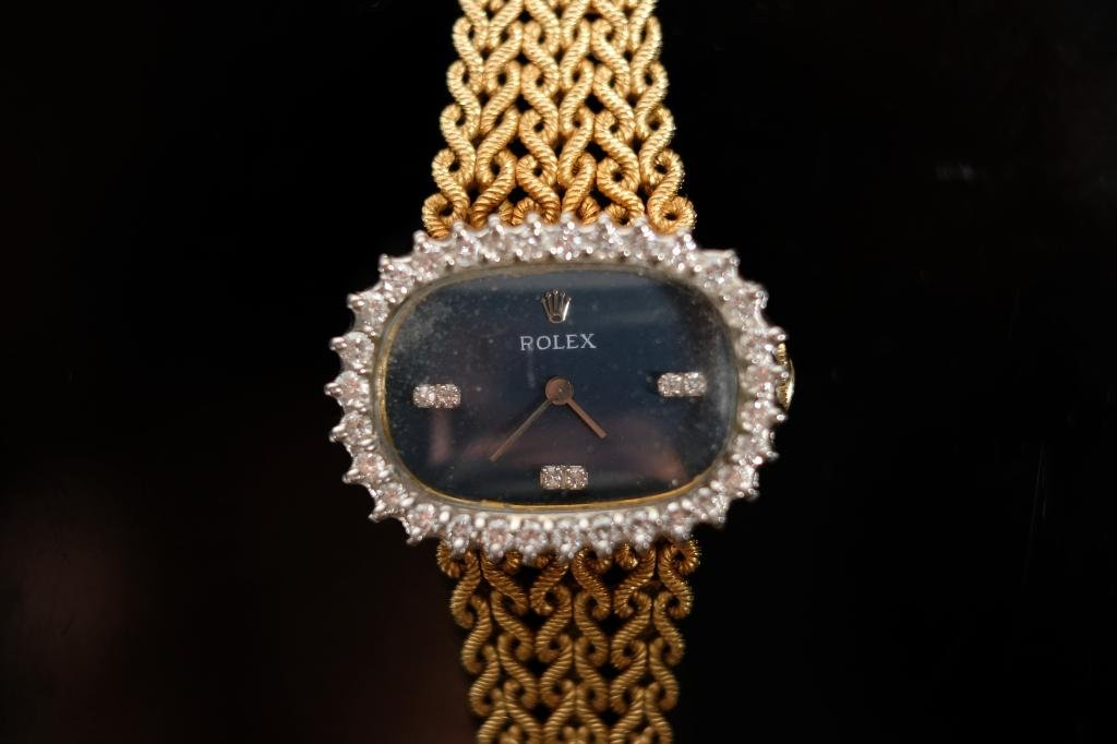 Vintage Rolex 18k Gold & Diamond Ladies Oval Watch