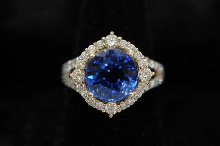 5.34 CT Cornflower Blue Sapphire & Diamond Ring