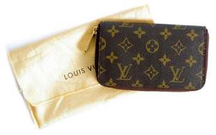 Louis Vuitton Zippy Monogram Clutch