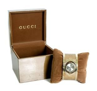 Gucci Twirl Silver Dial Gold-tone Steel Bracelet