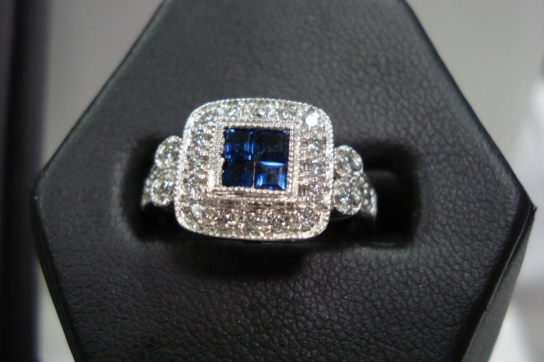 14k White gold sapphire and diamond estate ring