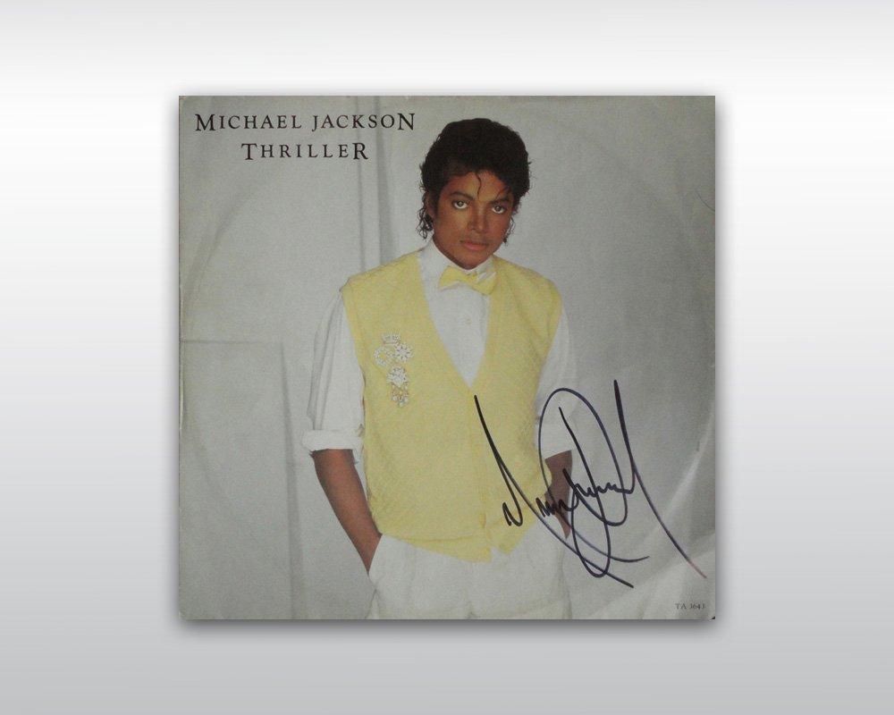 09: MICHAEL JACKSON SIGNED 12-INCH THRILLER UK SINGLE