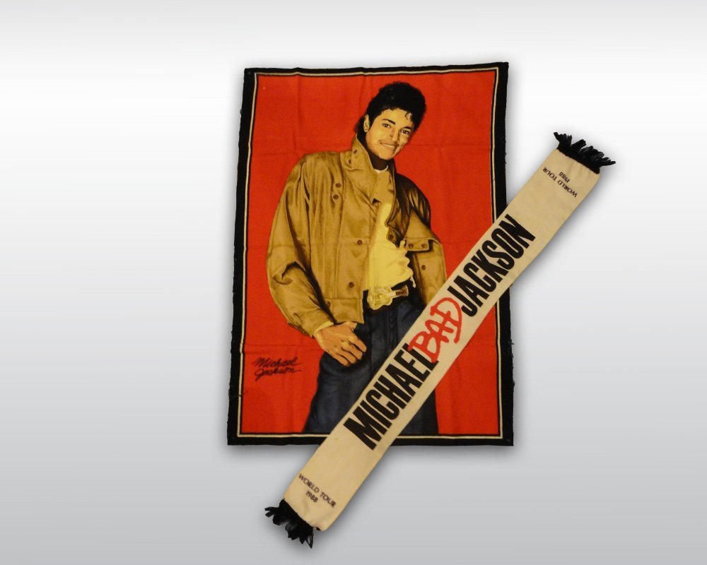 MICHAEL JACKSON CLOTH POSTER AND SCARF