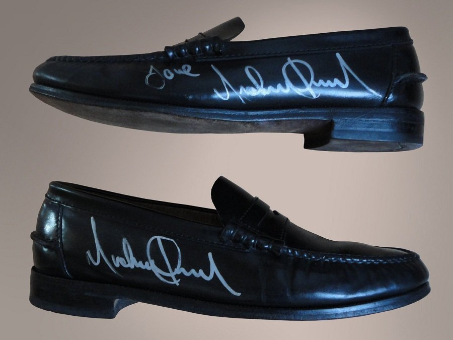 MICHAEL JACKSON BILLIE JEAN STAGE USED SIGNED SHOES