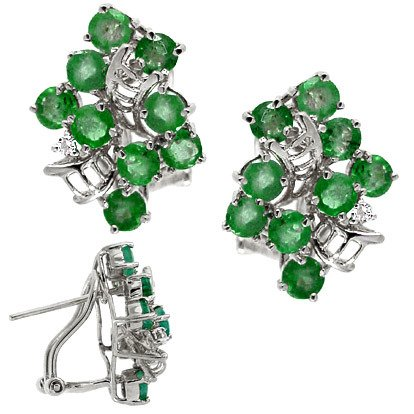 1010: WG 3cttw Emerald cluster dia ribbon earring