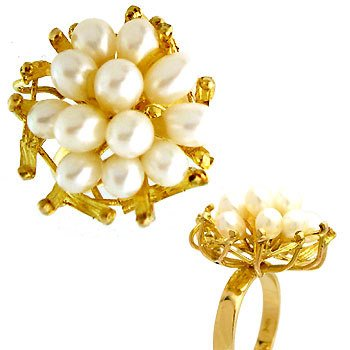 1023: 18YG 12 baby Pearl cluster estate ring