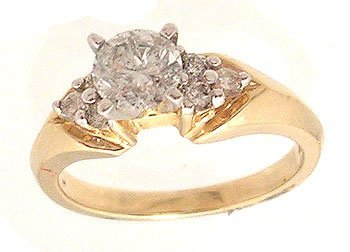8120: 14ky .75ct Diamond Center .25ctw Side Cluster Rin