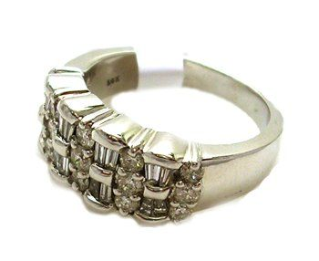 8349: 14KW 1cttw Diamond Rd Baguette Ruffled Ring APPR