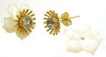 1100: 10KY Blue Topaz Rd MOP Flower Stud Earring