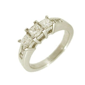3315: 14KW 1cttw Diamond Princess 3stone Ring