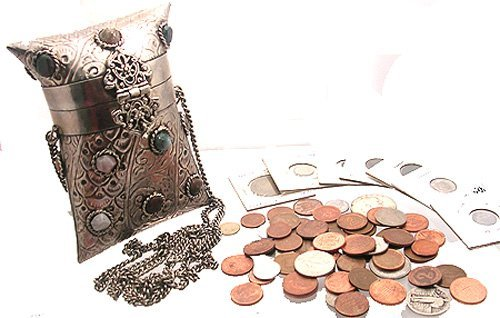 3111: SSilver 60+pc Foreign/American Currency Coin Purs