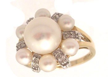 3115: 14ky 8mm; 3.5mm Freshwater Pearl Cluster Diamond